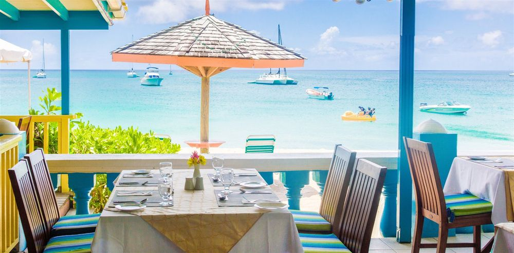 Hi Tide Restaurant at Bay Gardens Beach Resort & Spa