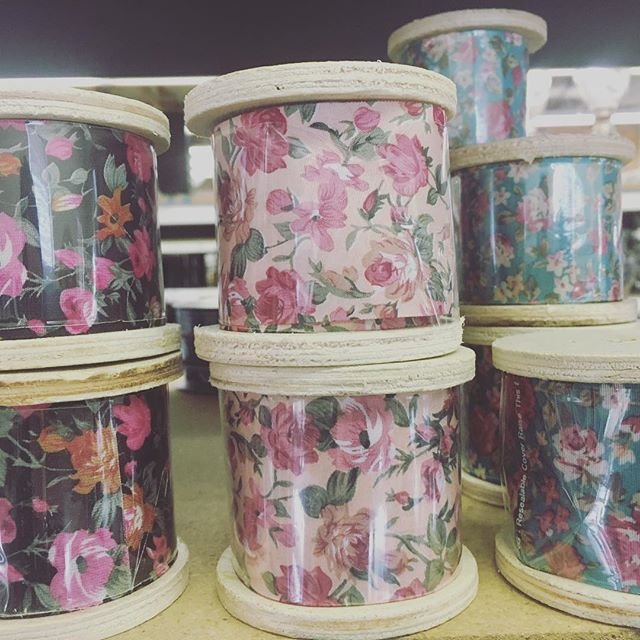 K, guys...literally had to stop myself from buying every roll of this darling ribbon. #vintage #floral #utahflorist