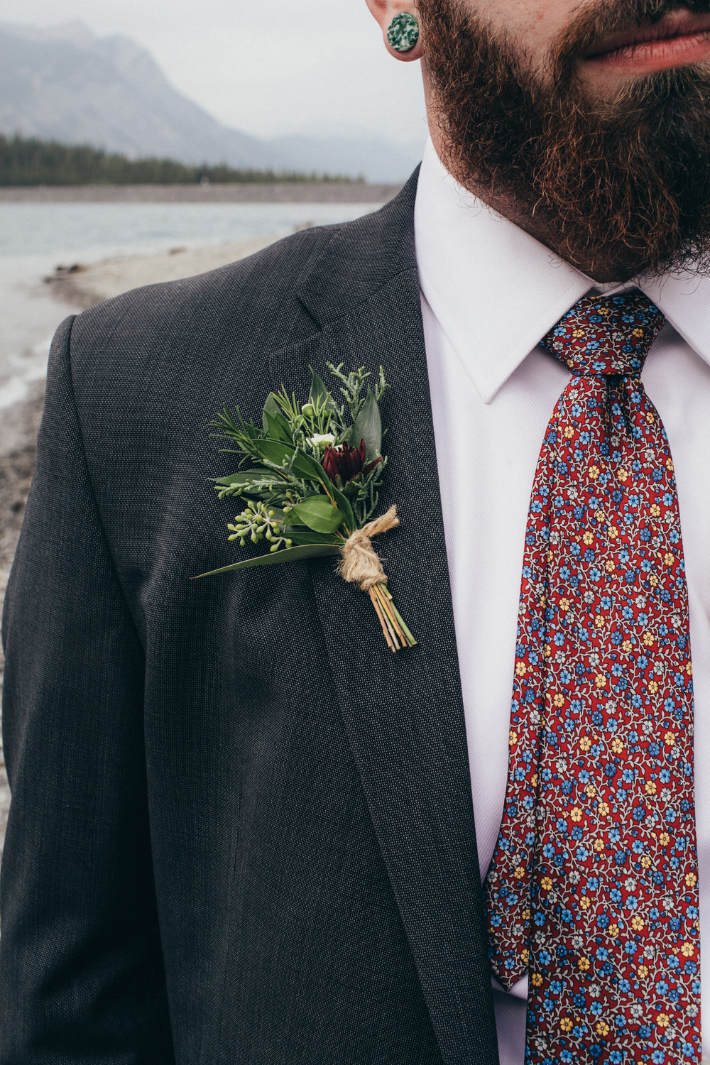 custom wedding boutonniere made in alberta that is affordable