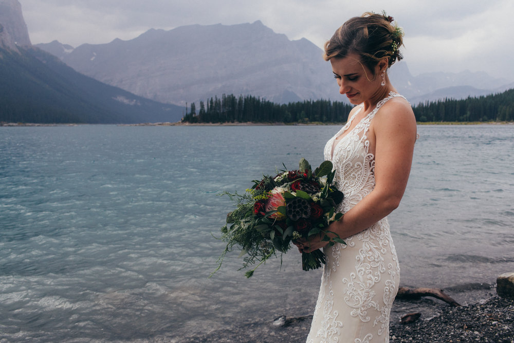 bridal wedding flowers from calgary and banff