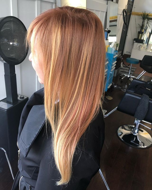 A little root touch up makes all the difference. We love using #kevinmurphy #ammoniafree #ppdfree #crueltyfree #haircolor  on Kari @therealkaribyron #haircolor #haircut #hair #hairstyles #sfstylist #acutecollective