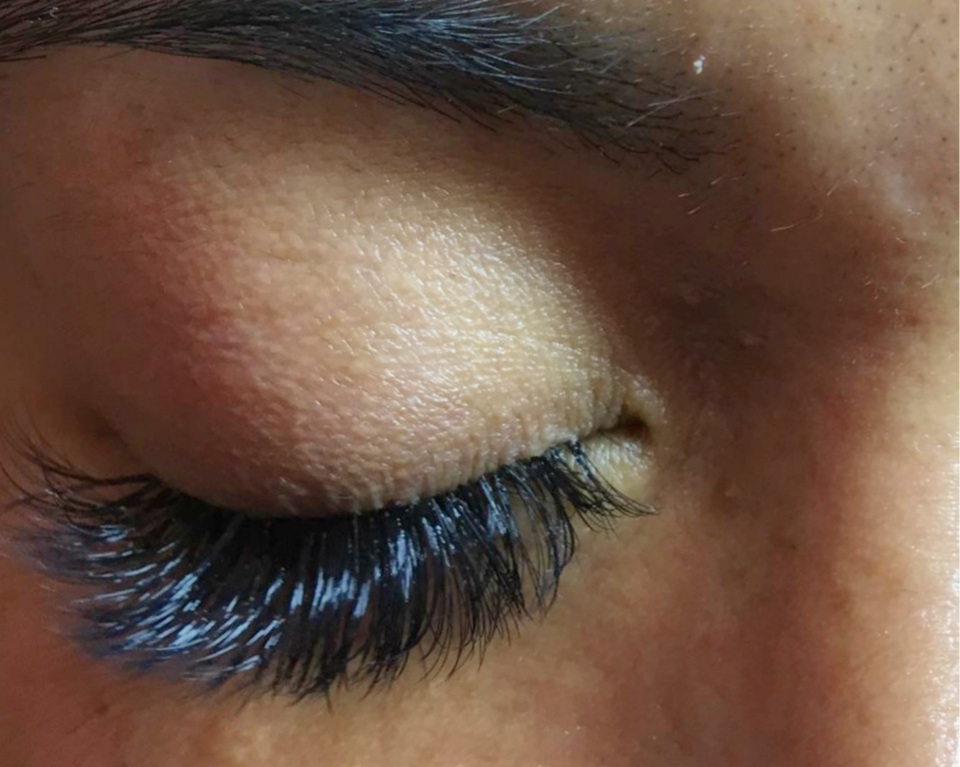MEGA Volume Eyelash Extensions