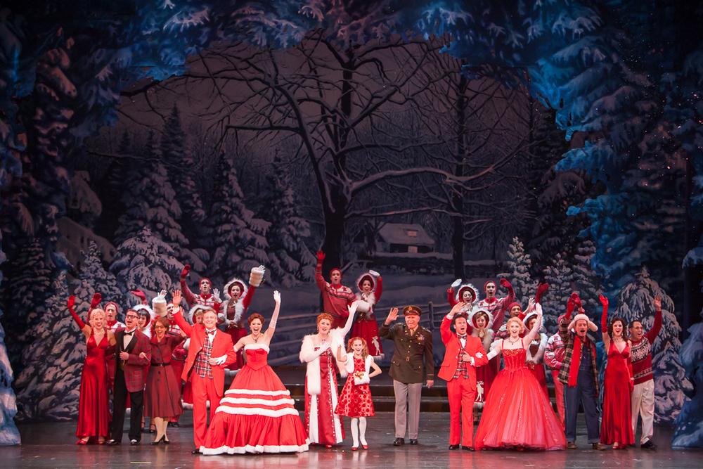 WHITE CHRISTMAS at the Denver Center Theatre Company. Production Photographer Jennifer Koskinen | Merritt Design Photo
