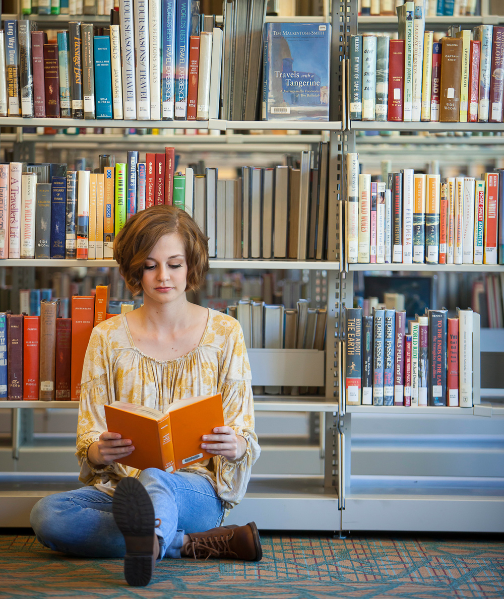 senior-session-library-denver-merrittphoto