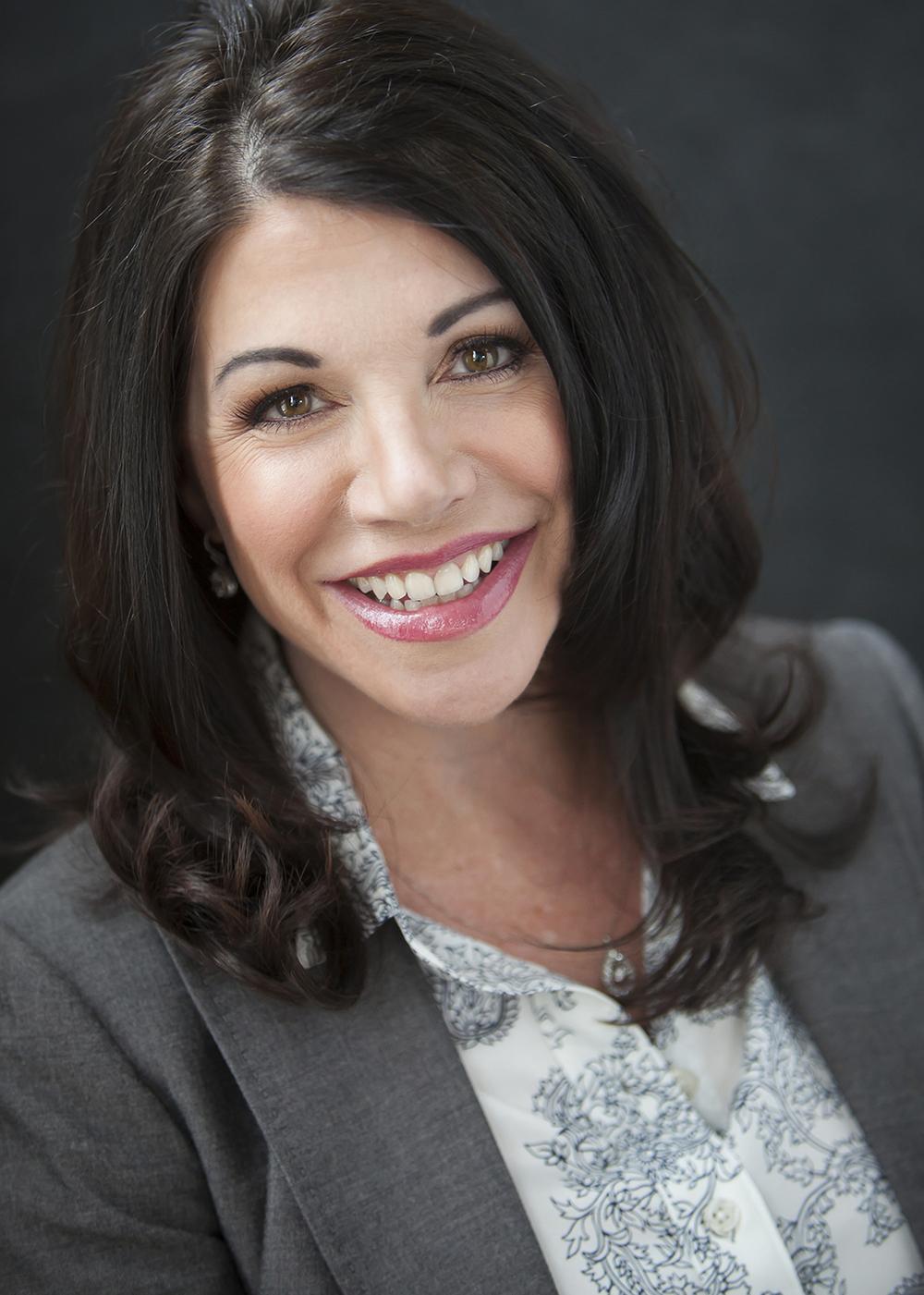 Modern Personal Branding Portraits with Denver Photographer Jennifer Koskinen | Merritt Portrait Studio