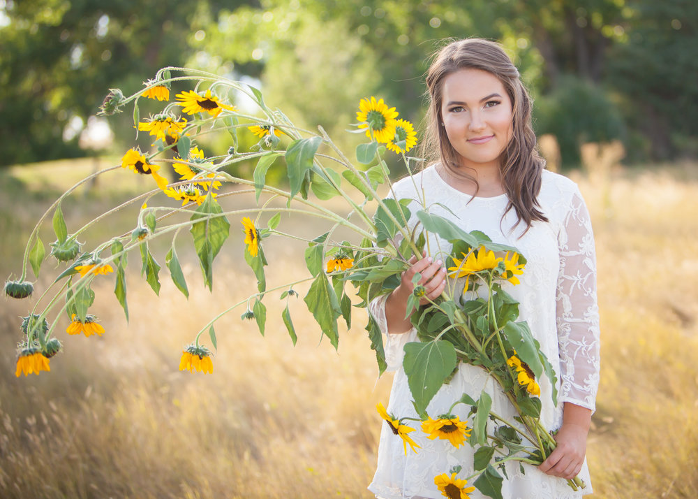 Senior pictures with Sunflowers