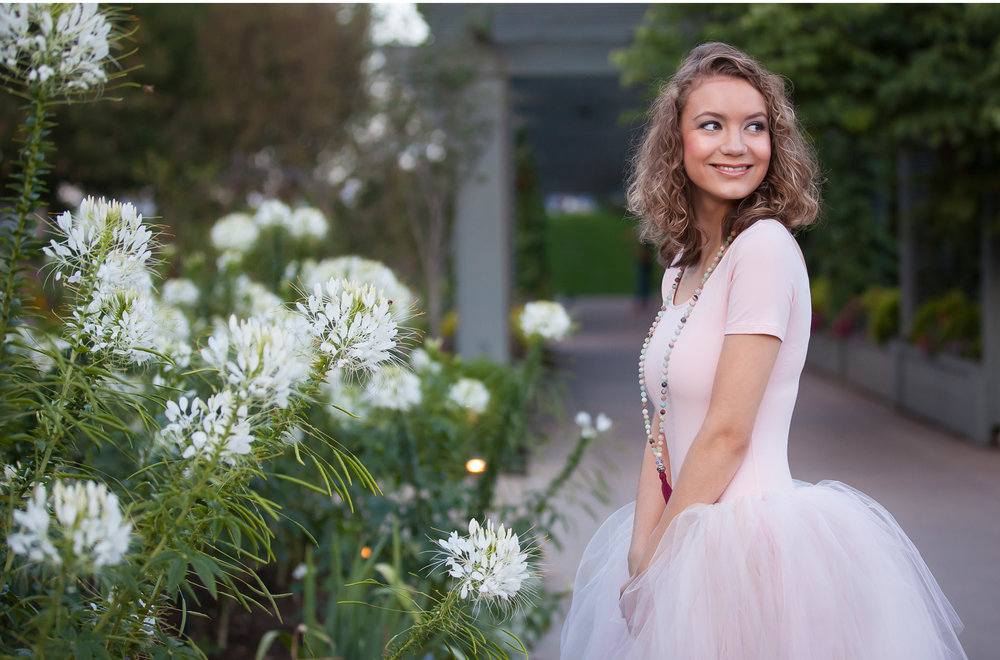 High School Senior Pictures at Denver Botanic Gardens, photographer Jennifer Koskinen