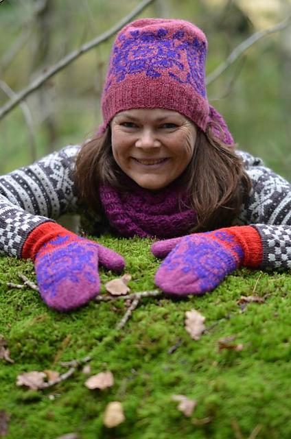 Skogfeens hage - votter og matchende lue