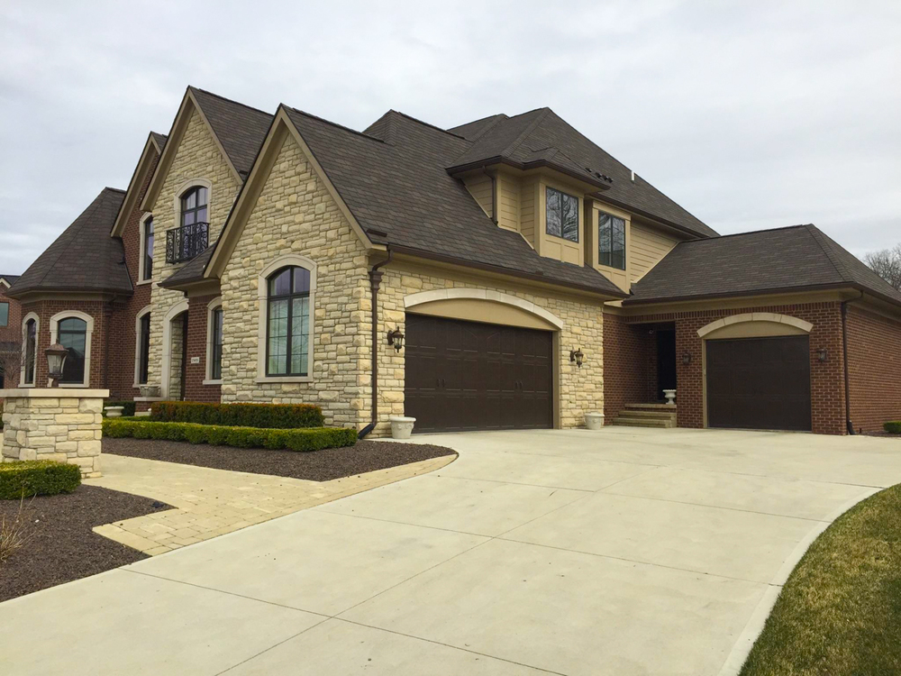 Building relationships one custom home at a time. General Contracting in the Fenton, South Lyon, Novi, Canton, Clarkston, Orion, and other Southwest Michigan areas custom home1