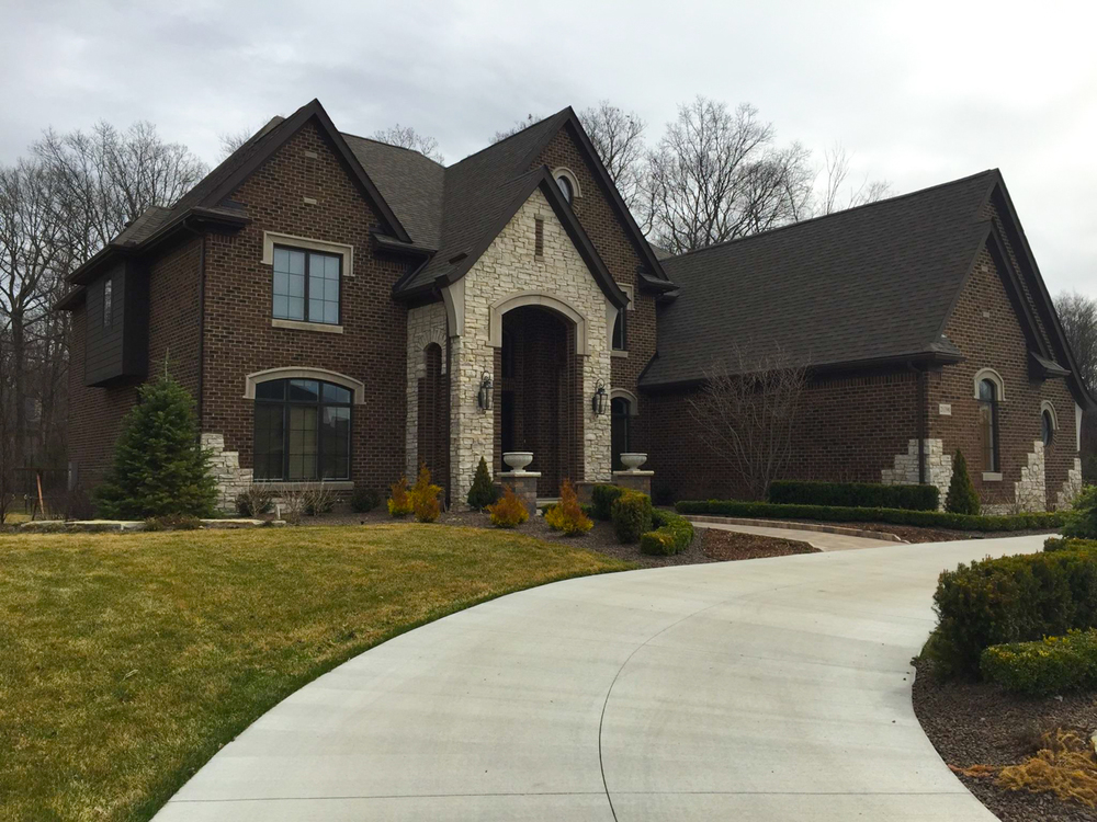 Building relationships one custom home at a time. General Contracting in the Fenton, South Lyon, Novi, Canton, Clarkston, Orion, and other Southwest Michigan areas Custom home2