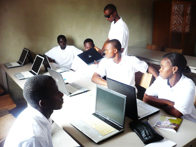 bonthe-youth-resource-center-sierra-leone-eroeffnung-08.png