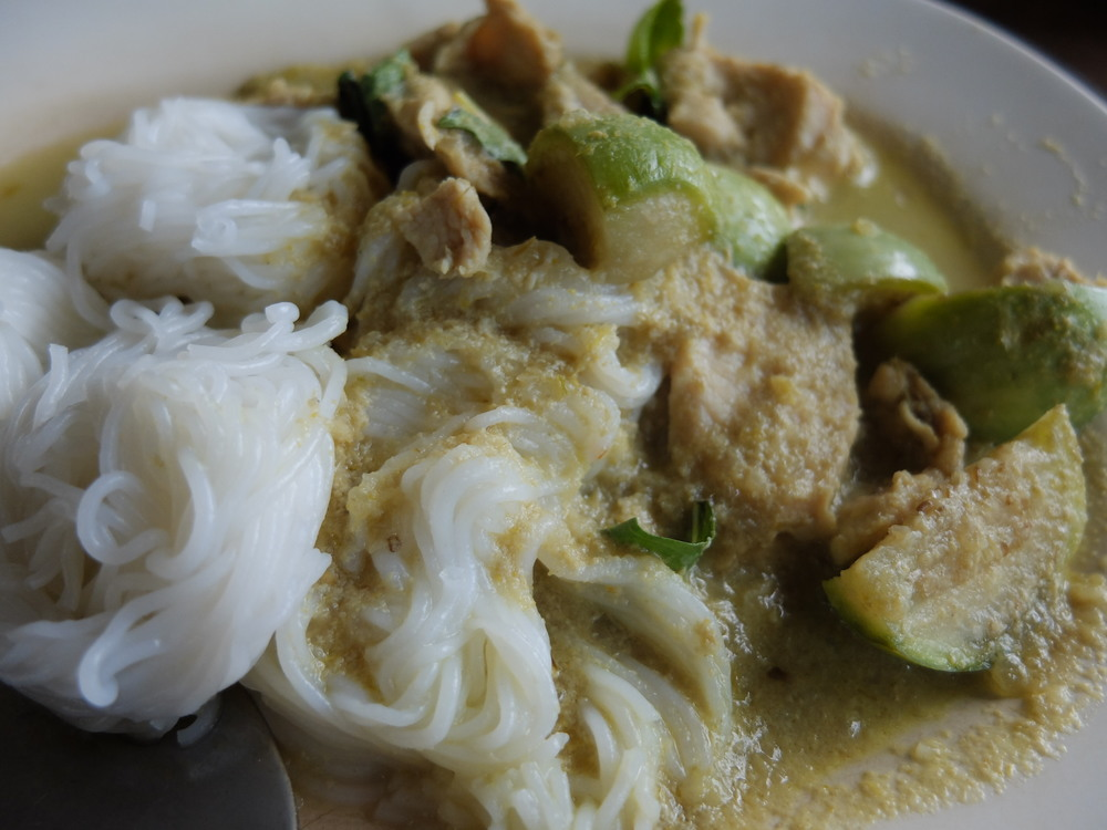 kanom jean green curry