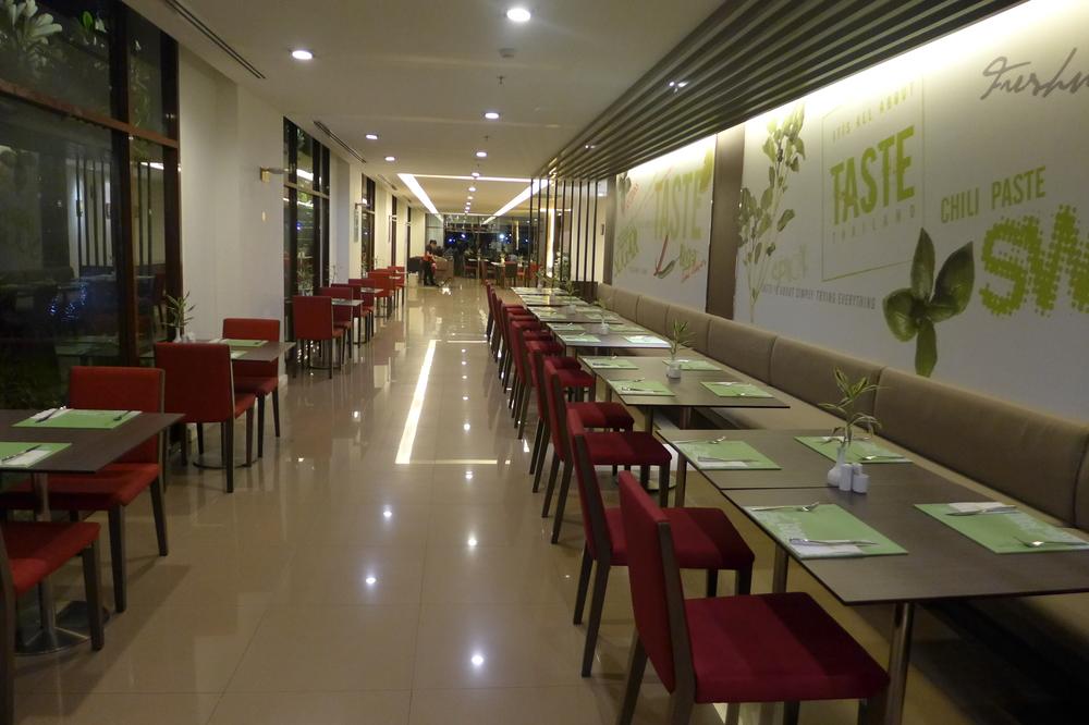 ... IBIS Riverside Bangkok and Food Stall Near by