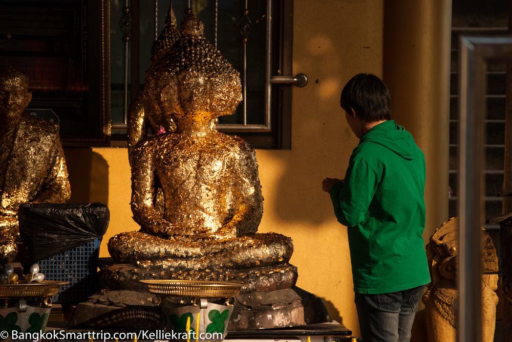 Wat Kiriwong Nakhonsawan Pay a Visit Thailand