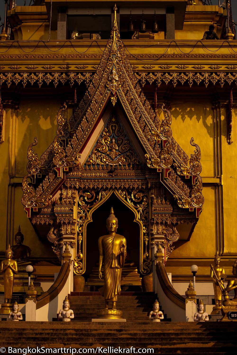 Wat Kiriwong Nakhonsawan Golden  Bhudda  Thailand
