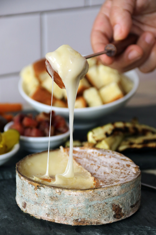 greensward fondue; murray's cheese originial