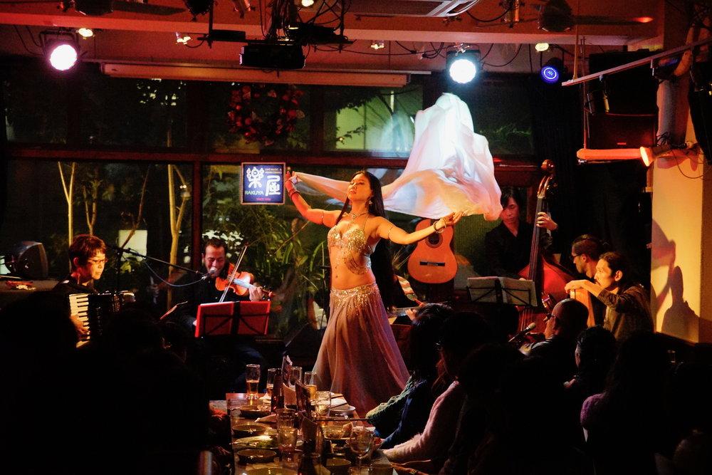 2016 12/24 ベリーダンスと音楽の夜 vol.128 by Aladeen@楽屋photo by MIRAK∞L(ミラクール)