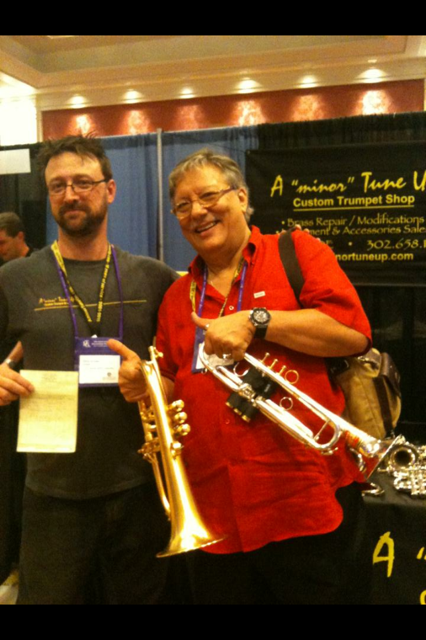 Arturo Sandoval stopped by for a repair at ITG 2013