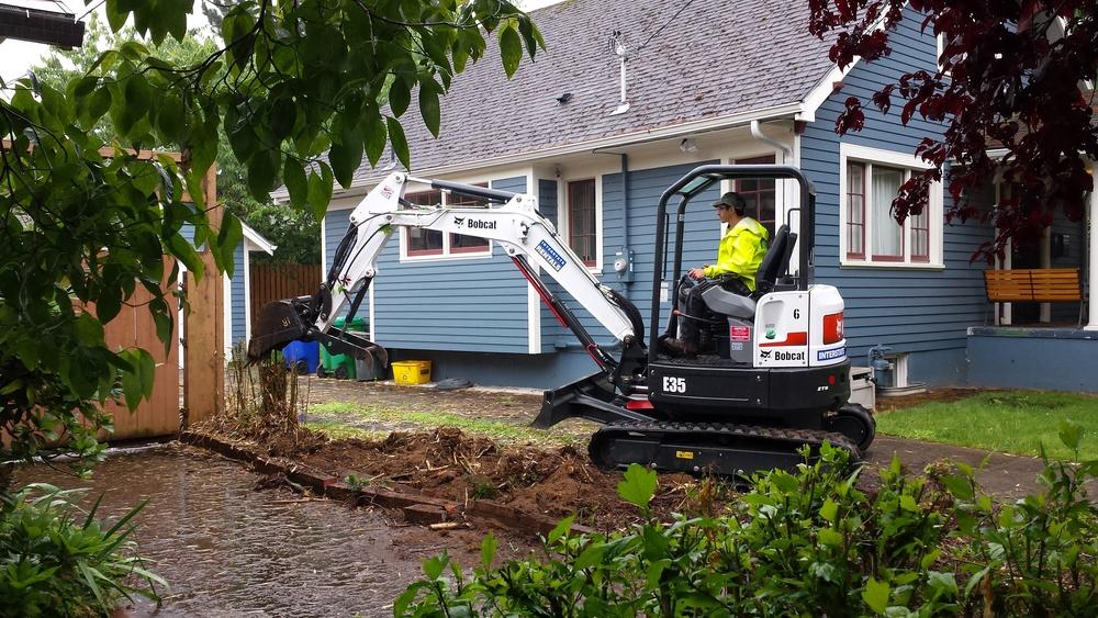 excavator1.jpg