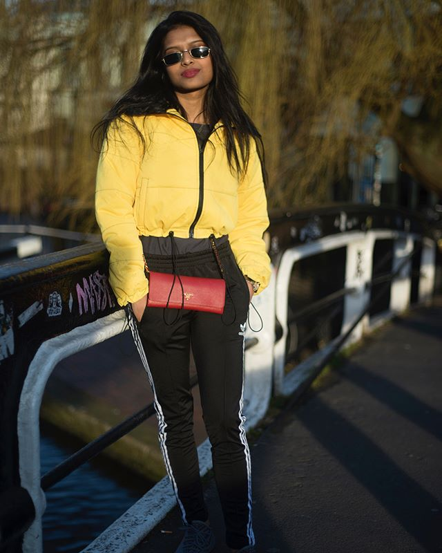 @zarriafarranhossain rocking yellow at Camden Market in London 💛