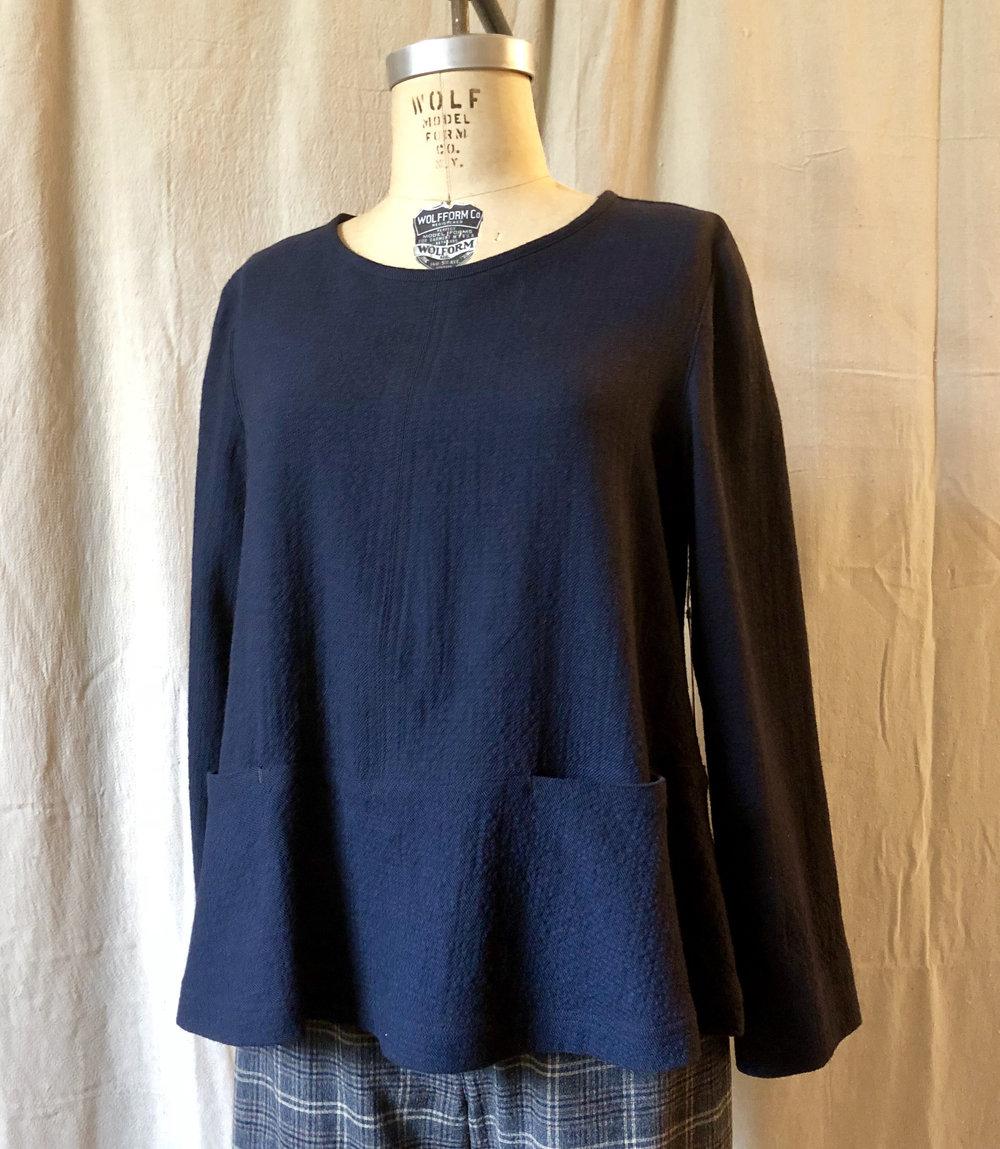 comfy top navy wool.jpg