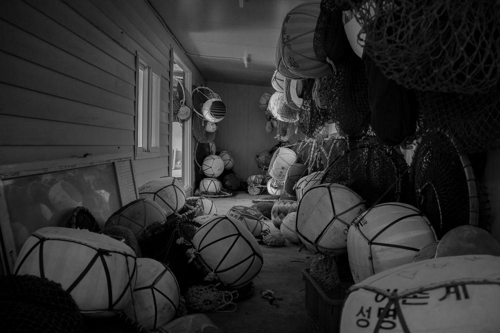 Buoy Room02.jpg