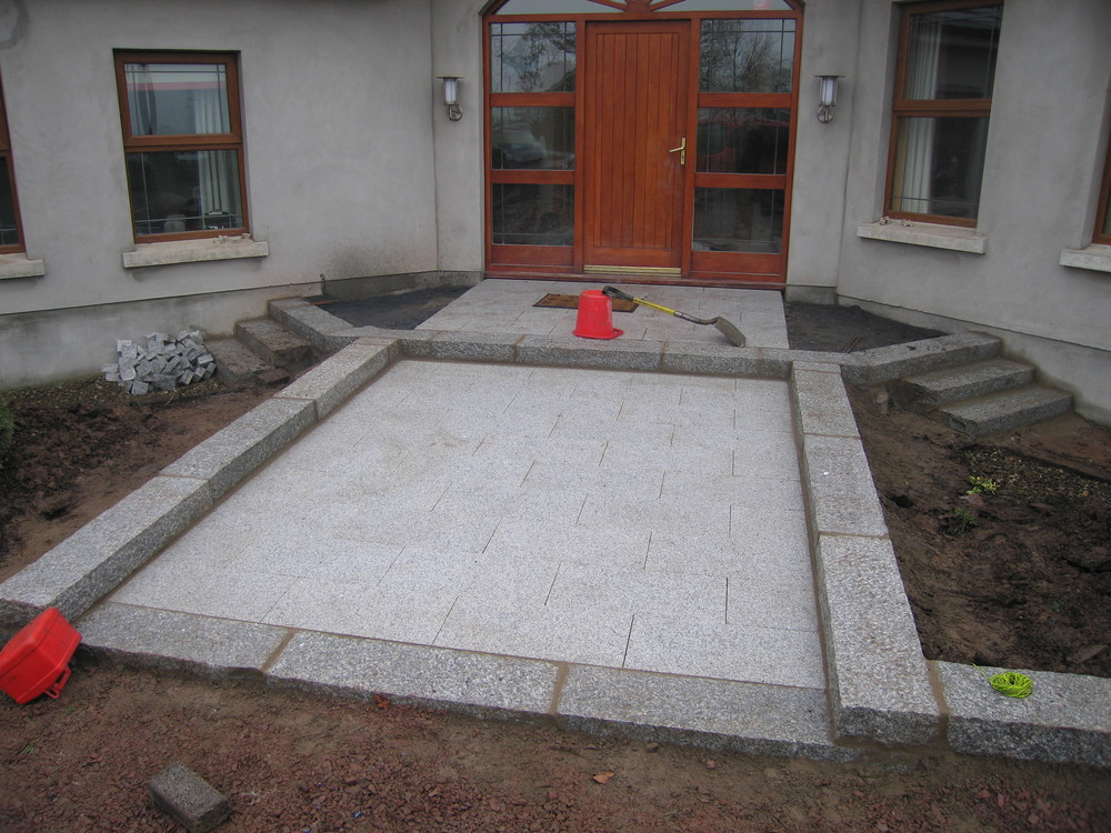 granite paving from tobermore laid in belfast with kerbs