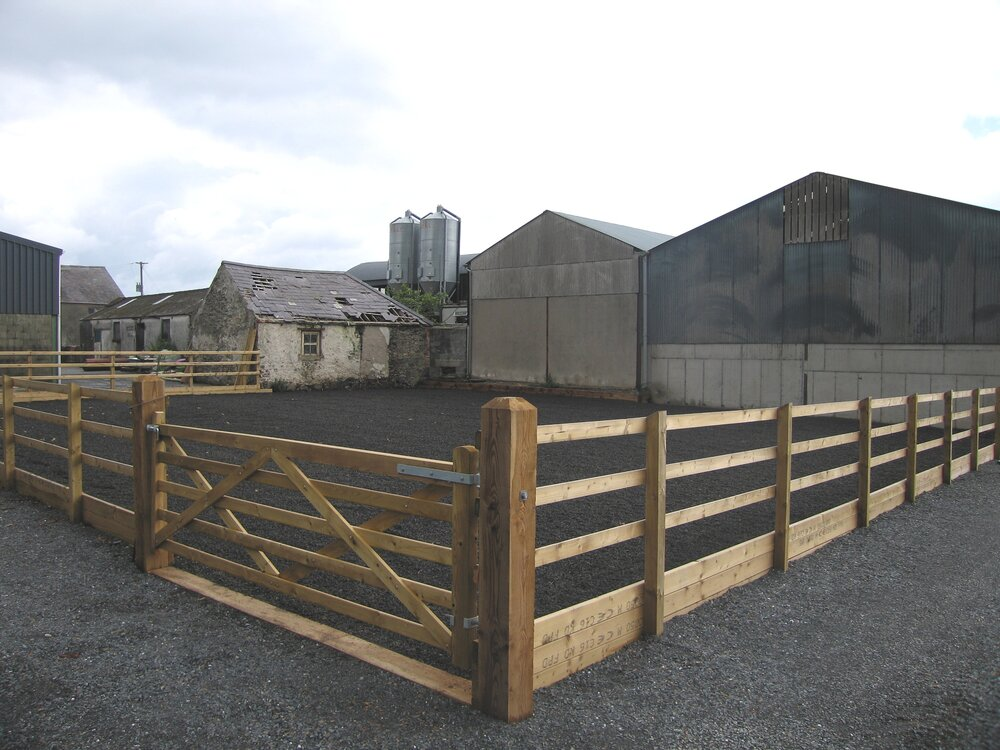 Horse equestrian fencing and gate construction
