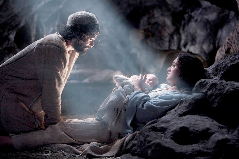 Jesus born to mary and joseph from movie.jpg