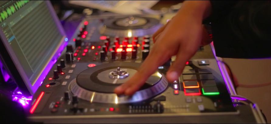 DJ - DANCE THE NIGHT AWAYTO THE HIP BEATSOF OUR PROFESSIONAL DJ!