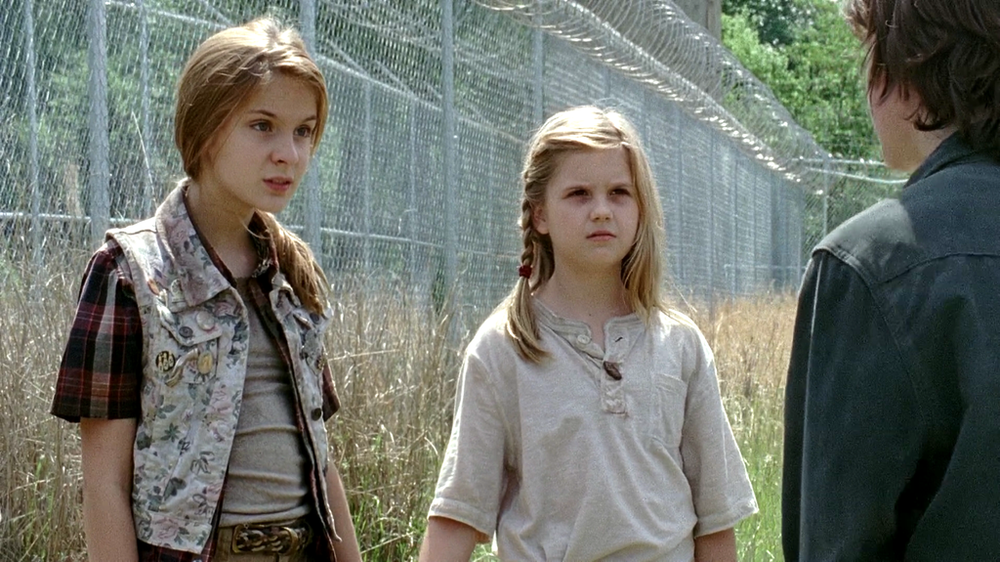 lizzie_and_mika_the_walking_dead_season_4_by_twdimagenshd-d732zmi.png