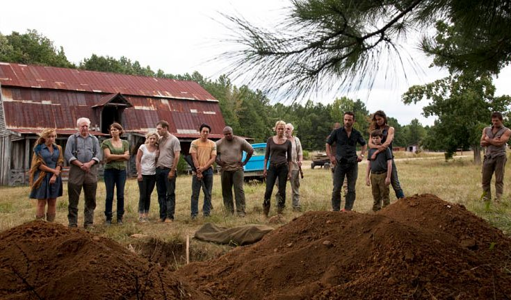 the-walking-dead-season-2-farm-funeral1.jpg