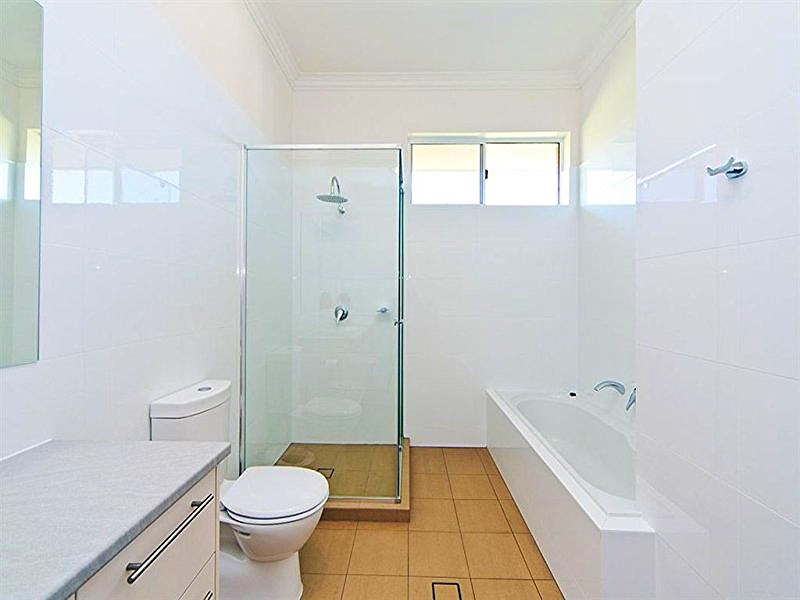 Glass showers bathroom designs