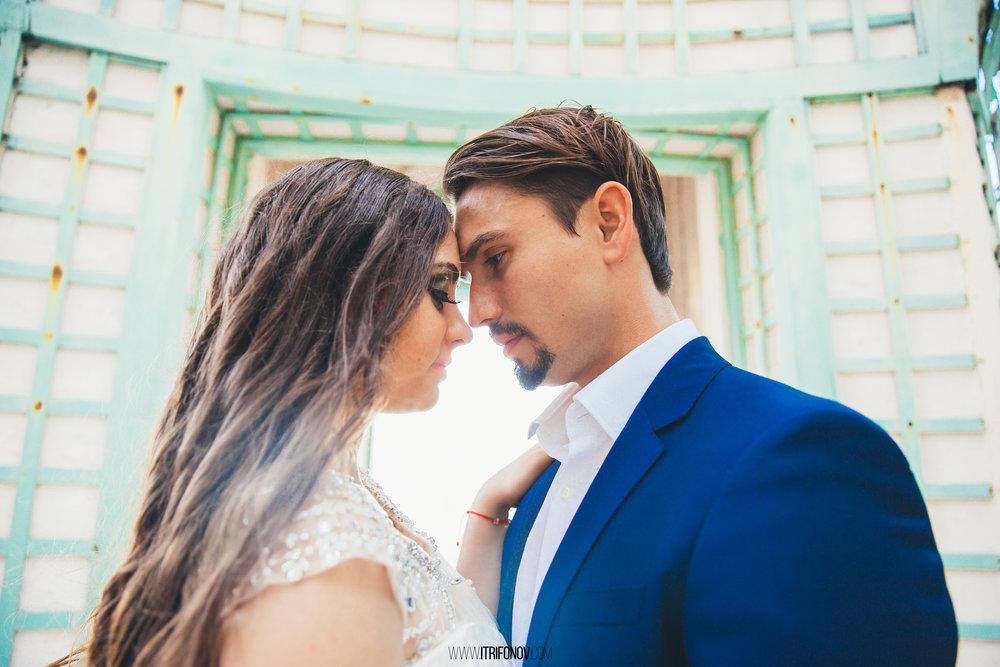 KJ77-vizcaya-museum-wedding-photography-igor-trifonov.jpg