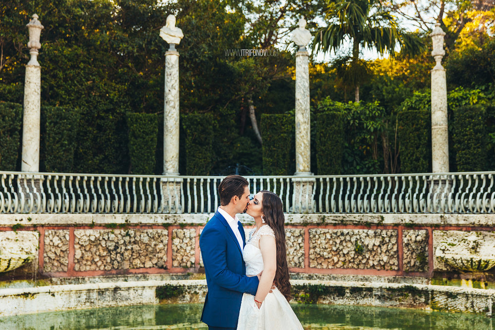 KJ128-vizcaya-museum-wedding-photography-igor-trifonov.jpg