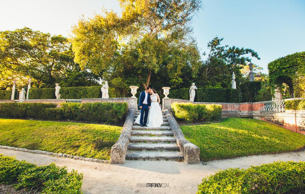 KJ156-vizcaya-museum-wedding-photography-igor-trifonov.jpg