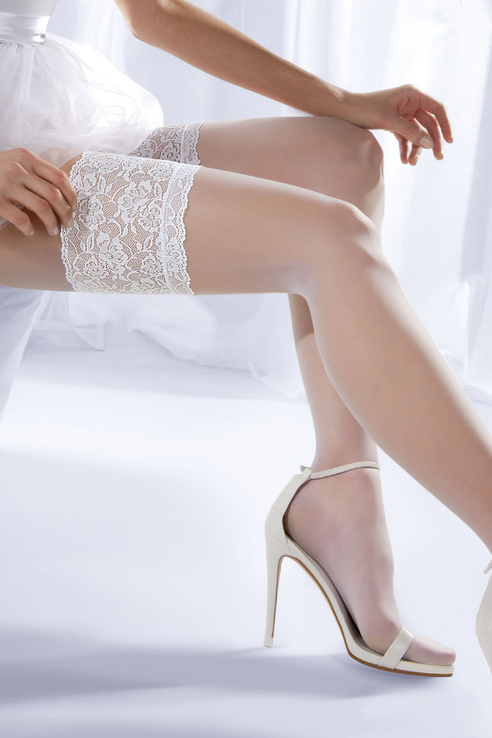 Pierre Mantoux – Stay Up Stockings – Parisienne 15 Collection This stay-up supportive stocking appears extra sheer for the perfect finish, featuring an elegant wide lace detail and reinforced toes.