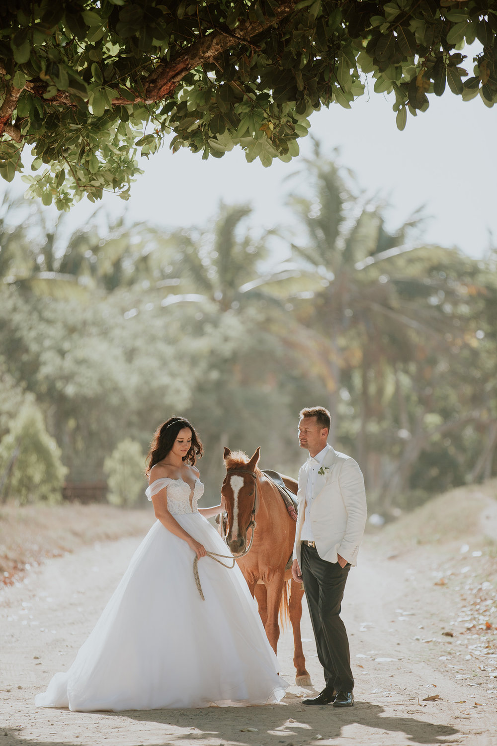 Estera and Matt - kama catch me  Photography - fiji photography-43.jpg