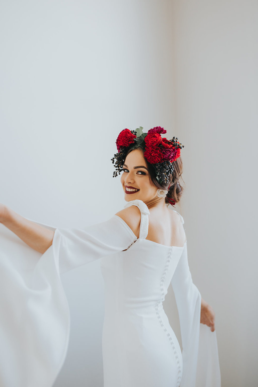 White Lily Couture collaborated with Mallory Sparkles Photography featuring gowns from the Spanish bridal powerhouse Rosa Clará.
