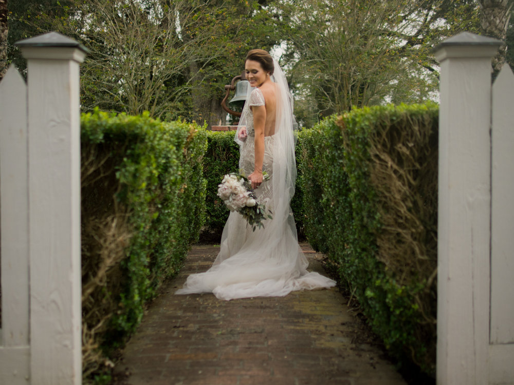 Jheri_bridals_new_orleans_photographer_wedding_nottoway_natchez_savannah_elizabeth_messina_best_wedding_photographers_savannah_ga_nottoway_plantation_magnolia_rouge_green_wedding_shoes_hayley_paige-1.jpg