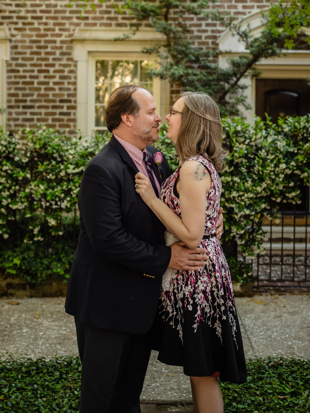 savannah elopement parish photo co elope savannah service square downtown brei olivier 15
