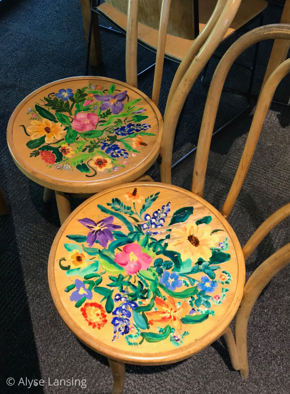 …has perfect Wildflower Center chairs!