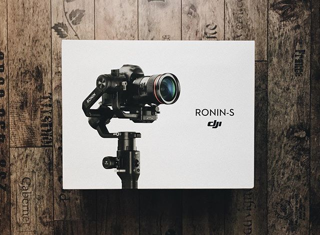 just arrived -  DJI Ronin S 💪🏻💪🏻 #dji #ronin #s #ronins #brushless #gimbal #canon #5dmarkiii #camera #gear #stabilizer #filmmaking #cinematography #motioncontrol #timelapse #heavy #setup #workout #FilmmakersWorld #gimbros