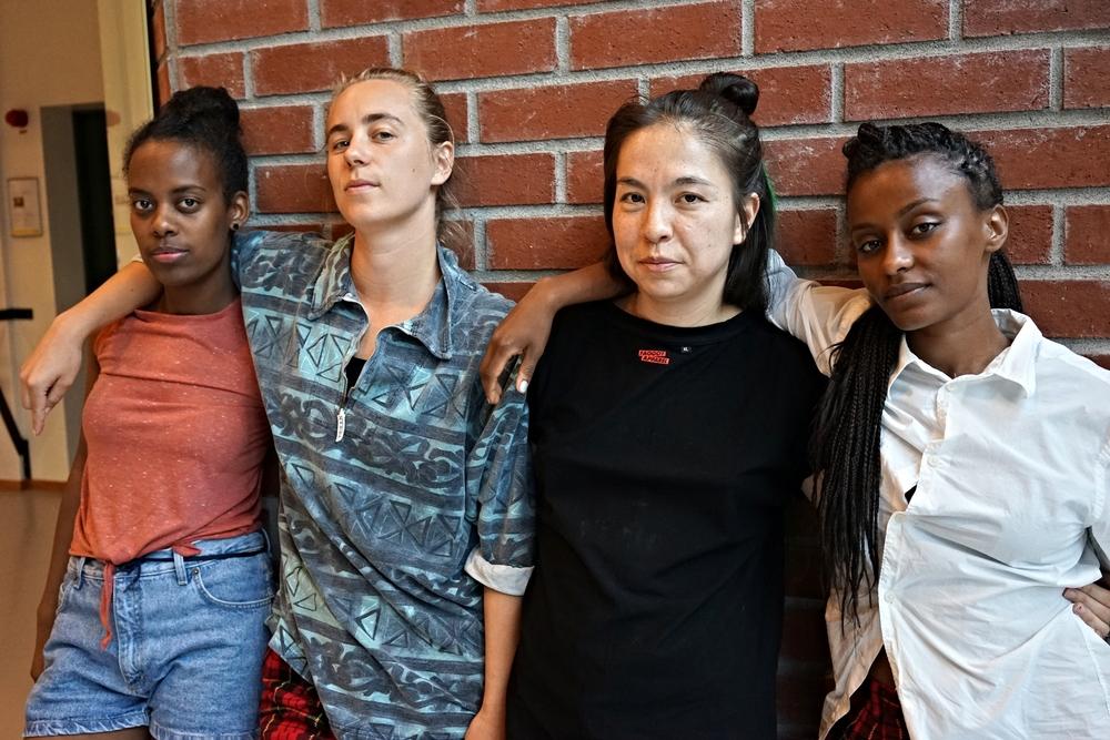 Sköna JUCK, fr v Bana Tsegai, Emelie Enlund, Shirley Harthey Ubilla och Tarika Wahlberg.