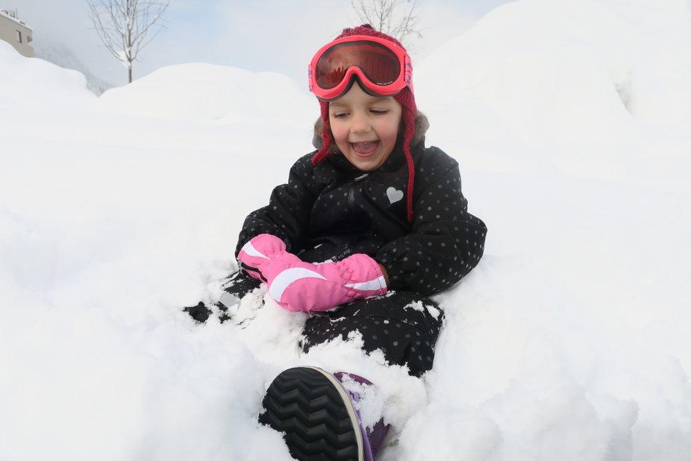 Felicidade é brincar na neve!