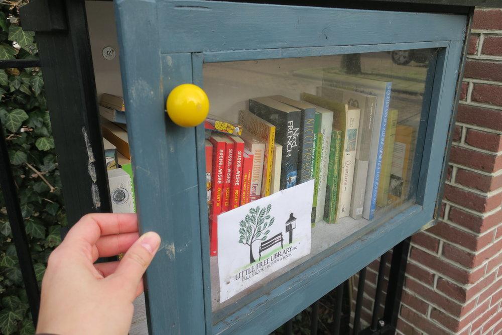 Já pensou em fazer uma mini biblioteca?