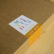 a caixa recheada de livros do matildas lit kit