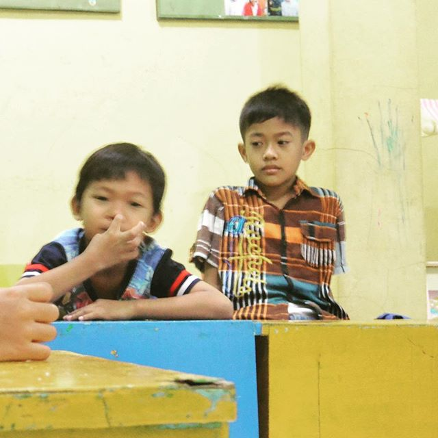 "Meet Wisnu, a five-year-old boy who dreams to be a teacher one day; and Rizky, a six-year-old boy, who dreams to be a government official. ""For a better Indonesia,"" agreed both boys 🇲🇨 #labourday2018 •••••••••••••••••••••••••••••••••••••••••••••••••••••••••••••••Ini adalah Wisnu dan Rizky. Wisnu berusia lima tahun dan bercita-cita untuk menjadi seorang guru; Rizky berusia enam tahun dan cita-cita ia adalah untuk menjadi seorang pejabat. ""Untuk Indonesia yang lebih baik"" ~ Rizky & Wisnu 🇲🇨 #hariburuh2018"