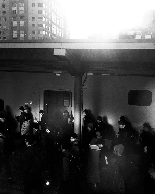 Morning CalTrain commuters shuffling into the city on Monday. #everydaybayarea #catchlighteveryday #sanfrancisco #caltrain 📷: @patboy__