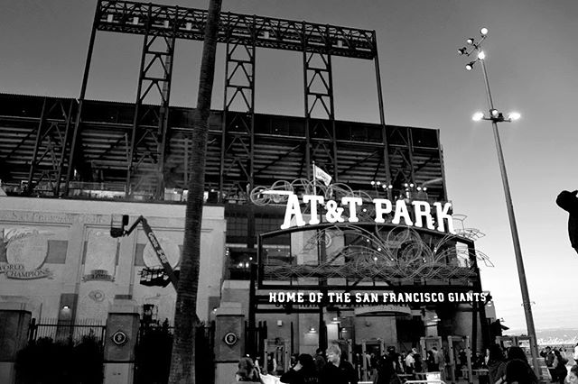 This picture was taken at the AT&T Park while there was a game going on. There were people surrounding and entering the stadium and I just loved the interactions people had because people just seemed to be enjoying each others company. This is the beauty of sports. ⠀ Photo by Nayar, Age 16, summer student at @first_exposures #everydaybayarea #catchlighteveryday #firstexposures